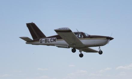 Iniciación al vuelo para una persona con diploma y cava por 79,90 € o vuelo para dos personas desde 99 €