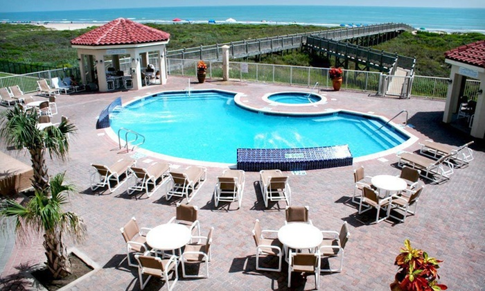 La Copa Inn - South Padre Island: Two-Night Stay for Two in a Standard or Beachfront Room at La Copa Inn & Suites Beach Resort in South Padre Island, TX