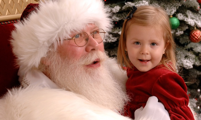 River Park Santa - Woodward Park: $52 for a Professional Santa Photo Session Package Redeemable Monday—Thursday at River Park ($100 Value)