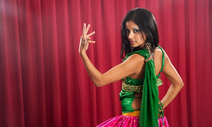 Bollywood and Bhangra Dance Class - Dance Center Chicago: Learn Bollywood and Bhangra Dances