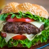 Doppeldecker-Burger-Menü