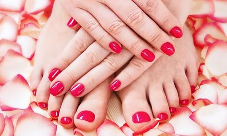 2 o 4 sesiones de manicura o pedicura o 1 sesión de uñas de gel semipermanente desde 12,95 € en Centro Médico Nazaret