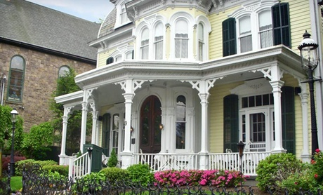 Victorian Inn near Delaware River