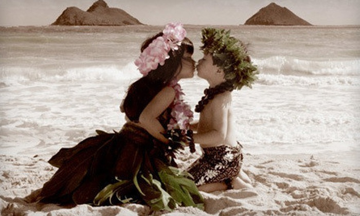 "Teri Lathrop Photography - Honolulu: Outdoor Family, Couples, or Keiki Photo Shoot with Retouched 11""x14"" Print from Teri Lathrop Photography (Up to 89% Off)"