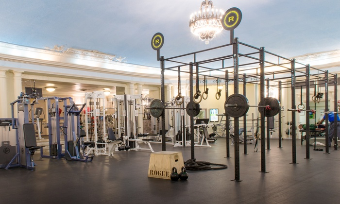 Edgewater Athletic Club - Edgewater: $39 for a One-Month Gym Membership at Edgewater Athletic Club ($79 Value)