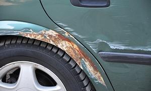Paga 49 € y obtén un descuento de 400 € en un servicio de reparación de chapa y pintura de coche con limpieza completa