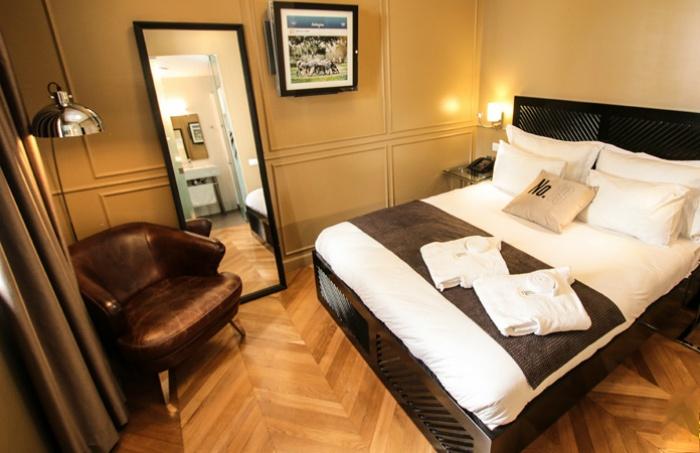 """מלון בוטיק AL תל אביב: חופשה בלב תל אביב, כולל סופ""""ש: לילה רומנטי במלון בוטיק AL היוקרתי, בחדר משודרג על בסיס לינה וארוחת בוקר, החל מ-599 ₪ לזוג!"""