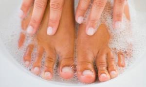 Divine Beauty Salon: Five Manicures and Pedicures from Divine Beauty Salon (33% Off)