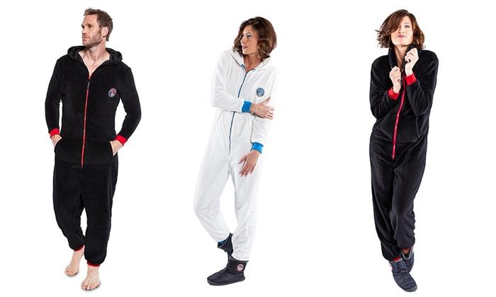 combinaison pyjama pour homme et femme groupon shopping. Black Bedroom Furniture Sets. Home Design Ideas