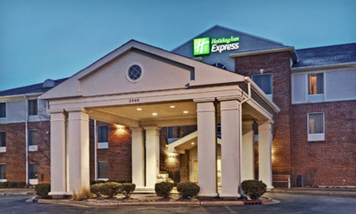 Holiday Inn Express Hotel & Suites Chicago-Algonquin - Algonquin: $169 for a One-Night Stay and Bowling for Six at Holiday Inn Express Hotel & Suites Chicago-Algonquin (Up to $334 Value)
