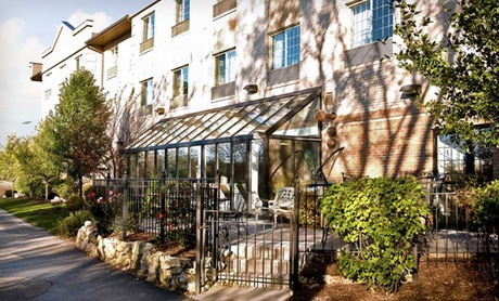 Family-Friendly Suites near Woodfield Mall