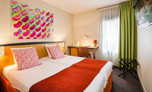 Hotel Paris Louis Blanc En Paris Ile De France Groupon