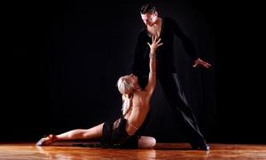 Oito Tempos Dança de Salão - Curitiba: Oito Tempos Dança de Salão - Seminário: 1 ou 3 meses de dança do salão para 1 ou 2 pessoas (casal)