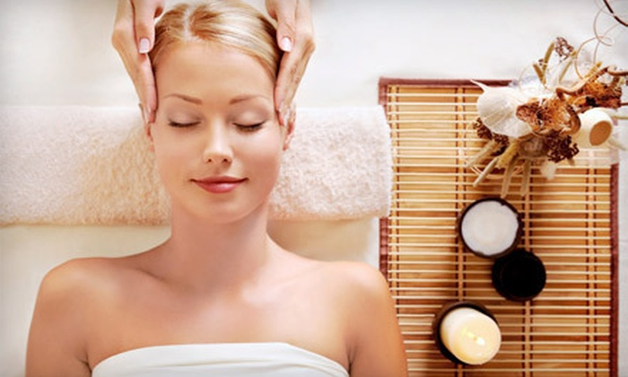 Dream Weaver Salon & Day Spa - Fishers: Spa Package with a Swedish Massage, a Destressing Facial, and Mani-Pedi at Dream Weaver Salon & Day Spa ($220 Value)