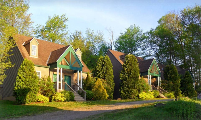 Spruce Hill Inn & Cottages - Mansfield, OH: 1- or 2-Night Stay for Two in a One-Bedroom Queen Cottage Unit at Spruce Hill Inn & Cottages in Mansfield, OH