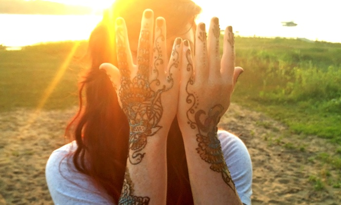 Henna Hannah - Minneapolis / St Paul: 90-Minute Henna-Tattoo Party for 1–12 People or Two-Hour Henna Party for 12 or More from Henna Hannah (50% Off)