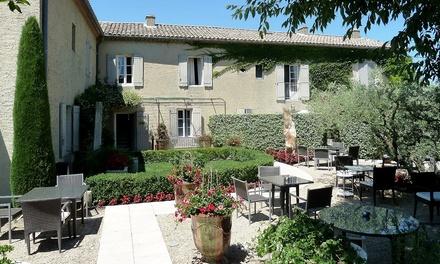 Saint Rémy de Provence : 1 ou 2 nuits avec petit déjeuner et dîner gastronomique au Mas des Carassins pour 2 pers.