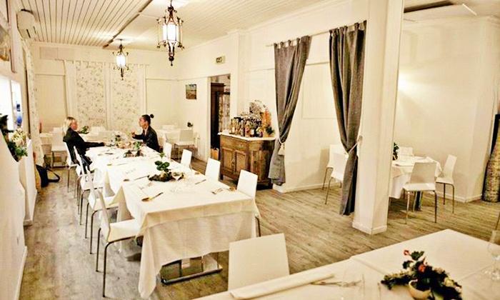 Oceano Sea Restaurant - OCEANO SEA RESTAURANT: Menu di pesce con portate a scelta e vino a 79,90 €