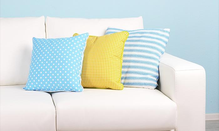 Caballero - Caballero: Servicio a domicilio de limpieza con desinfección de la tapicería de un sofá de 2 o 4 plazas desde 34 €