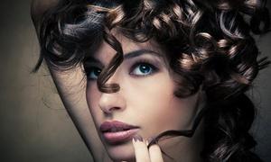 Hair Styles: Pacchetto capelli con taglio, piega, maschera e colpi di sole al salone d'acconciature Hair Styles (sconto fino a 61%)