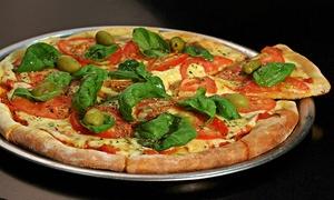 La Perla Bar: Desde $129 por 2 o 4 empanadas + 1 o 2 pizzas a elección + 2 o 4 chopps o bebidas para dos o cuatro en La Perla Bar
