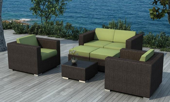 Emejing salon de jardin resine tressee coussin vert ideas for Groupon salon de jardin