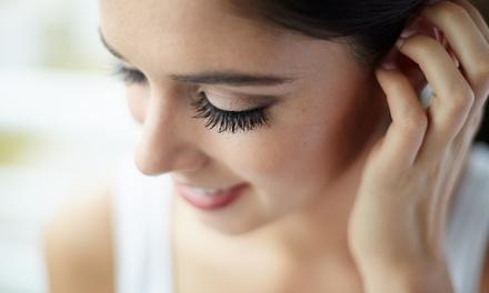Wimpernverlängerung mit bis zu 100 Wimpern, opt. mit Refill binnen 2 Wochen, bei aesthetic-cosmetic (bis zu 56% sparen*)