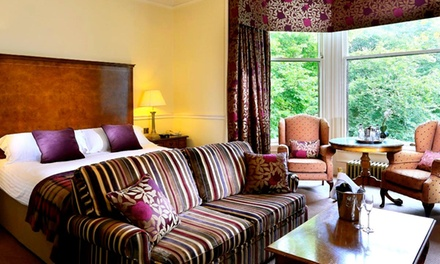 Aberdeen: 13 Nights for Two with Breakfast, Bottle of Prosecco and Optional AA Rosette Dinner at 4* Norwood Hall Hotel