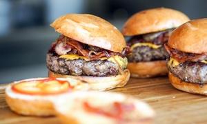 Pasta Street: Menu street food con hamburger, patatine e bevanda da asporto per 2 o 4 da Pasta Street Sottoripa (sconto fino a 54%)