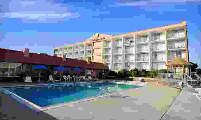Comfort Inn On the Ocean - Kill Devil Hills: One-Night Stay at Comfort Inn On the Ocean in Kill Devil Hills, NC