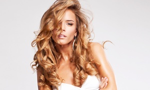 Salon de coiffure Cut: Shampoing, coupe, brushing et soin avec couleur ou balayage dès 22,99 € dans l'un des 3 salons Cut au choix