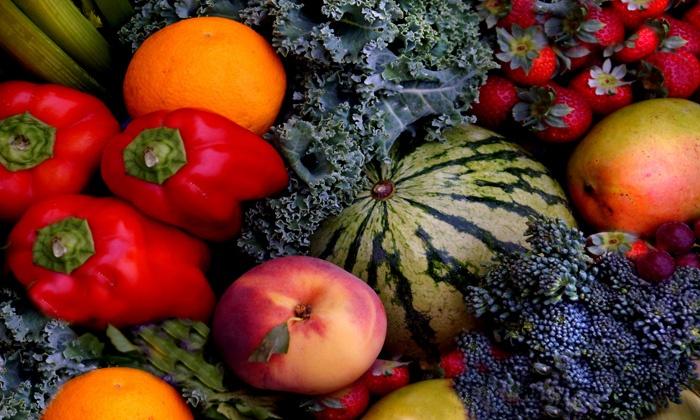 Golden Gate Organics - San Francisco: Small, Medium, or Large Box of Organic Fruits and Vegetables from Golden Gate Organics (Up to 51% Off)