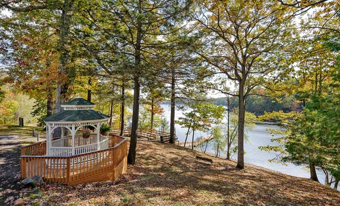 Adults-Only Couples Retreat in Poconos