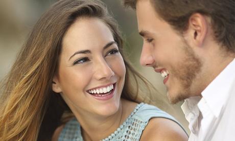 1 o 2 implantes dentales de titanio con corona de porcelana y limpieza bucal desde 579 €