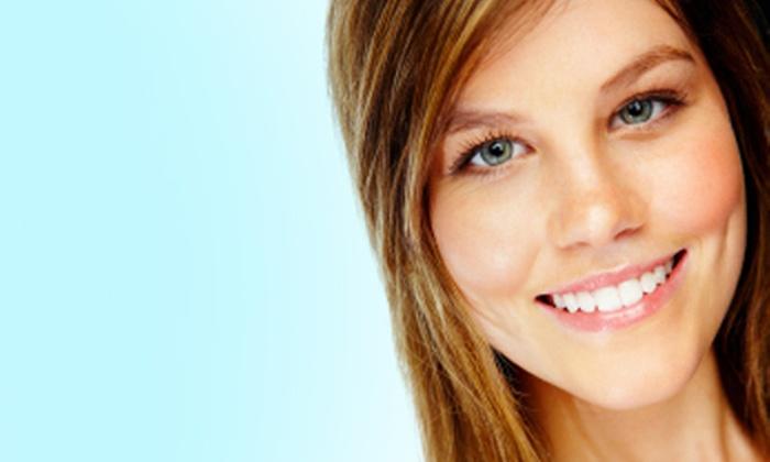 Sonrisas Blancas - Múltiples sucursales: Desde $208 por blanqueamiento láser + higiene con ultrasonido + topicación con flúor + consulta en Sonrisas Blancas