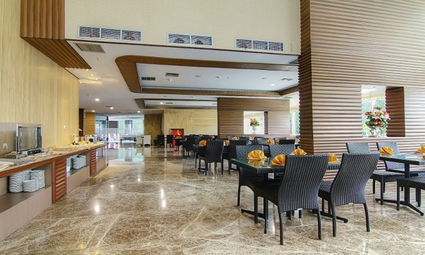 Batam 4* BCC Hotel + Ferry + Taxes 4