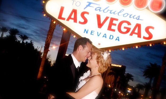 Canyonridge Photography - Las Vegas: 60-Minute Outdoor Strip Tour Photo Shoot and Digital Images from CanyonRidge Photography (58% Off)
