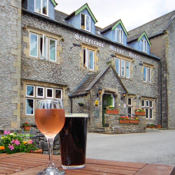 Kendal 1 Night For Two With Breakfast 3 Course Dinner Prosecco And Spa Access At Stonecross Manor Hotel