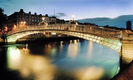 Dublín: 1 o 2 semanas de curso de inglés general para 1 pers. en Irish College of English, alojamiento, media pensión