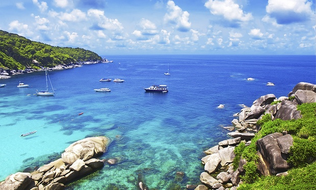 Phuket: 4* Beach Resort + Flights 5