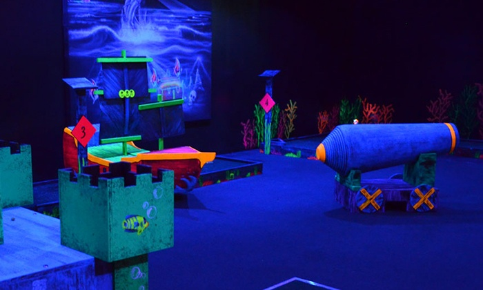 Shipwrecks - Lake Park: Laser Tag with Pizza and Drinks for 2 or 4, or a Laser Tag Party with Pizza for Up to 10 at Shipwrecks (Up to 53% Off)