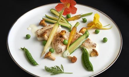 Menus au choix par le chef Guy Guilloux, au restaurant La Taupinière, institution bretonne depuis 30 ans, dès 64 €