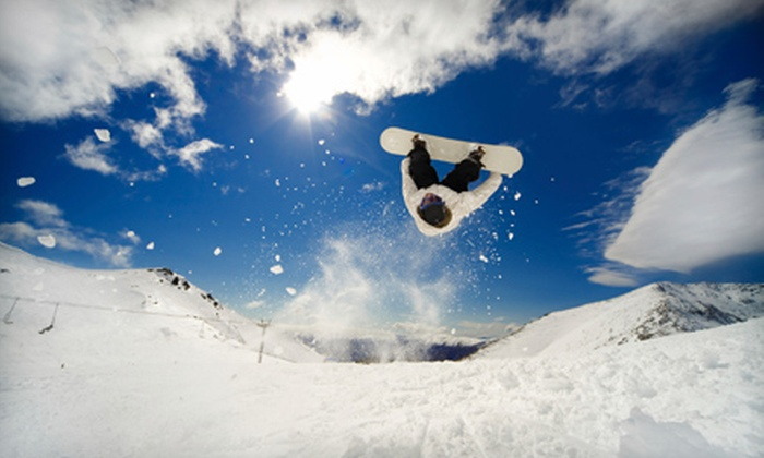 Lake Country Cycle Ltd. - Lake Country: $7 for a Snowboard or Ski Wax at Lake Country Cycle Ltd. ($15 Value)