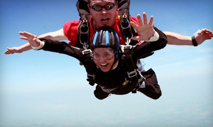 Niagara Skydive Centre - Dunnville: $189 for a Tandem or Solo Jump for One at Niagara Skydive Centre (Up to $299 Value)