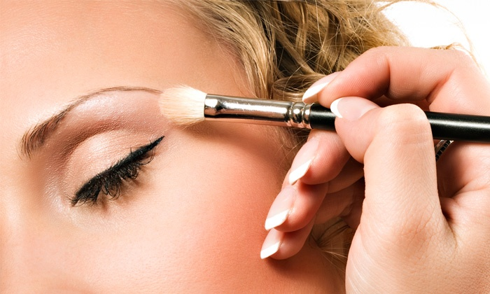 DZ Cosmetics - Wellington Green: Express or Super Glam Airbrush Makeup Application at DZ Cosmetics (Up to 60% Off)