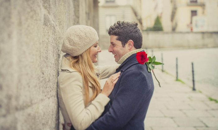 Davinci Storytellers - Central Jersey: 60-Minute Engagement Photo Shoot from DaVinci Storytellers (45% Off)