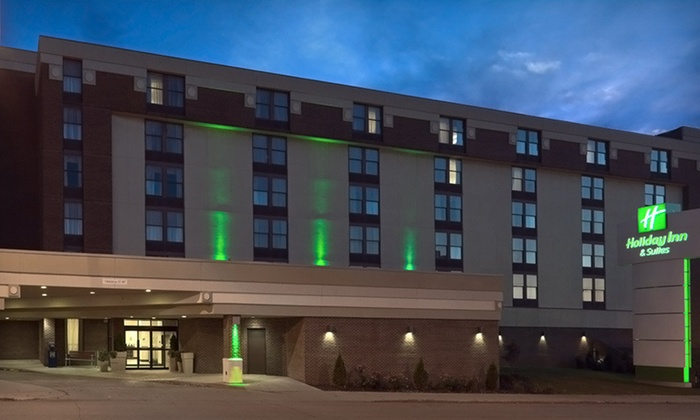 Holiday Inn Hotel & Suites Mansfield-Conference Center - Mansfield: One-Night Stay at Holiday Inn Hotel & Suites Mansfield-Conference Center in Mansfield, OH