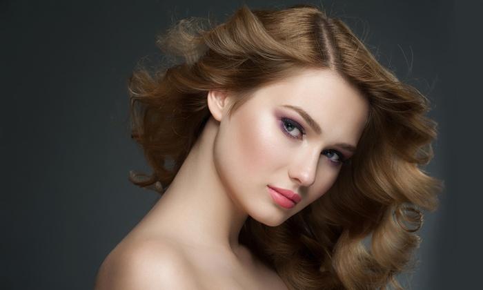 Effetto Donna - EFFETTO DONNA: Seduta di bellezza per capelli da 14,90 € con taglio e trattamenti a scelta