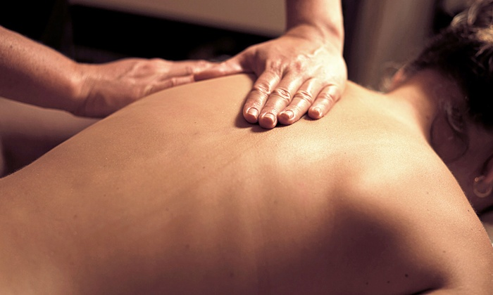 HealthSource Chiropractic - Hunters Glen: $35 for a 60-minute Swedish Massage and Complimentary Chiropractic Exam at HealthSource Chiropractic (Up to $130 Value)