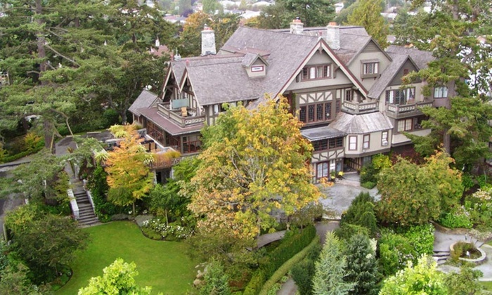 English Inn - Victoria, British Columbia: 1- or 2-Night Stay for Two in an Estate or Crown Room at the English Inn in Victoria, BC